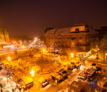 Timisoara_-_victory_square_at_night